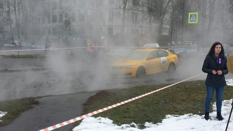 В северной столице такси провалилось под землю