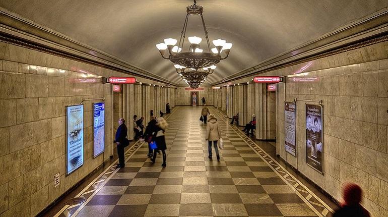 На станции «Владимирская»  человек упал на пути