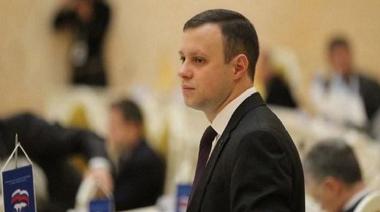 Депутат Законодательного собрания Петербурга Денис Четырбок. Фото: http://www.assembly.spb.ru/