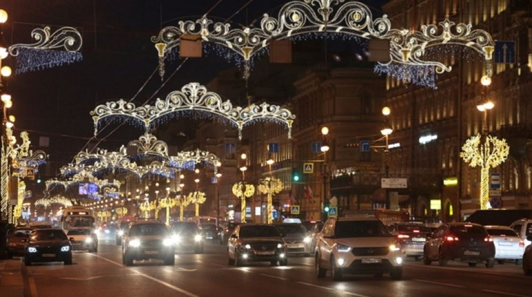 Четверг, 27 декабря: петербуржцы узнают о новогодней погоде от главного синоптика и смогут посетить выставку «Я иду по городу…»