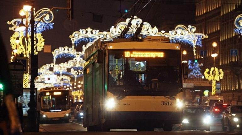 Как будет работать общественный транспорт Петербурга в новогодние праздники
