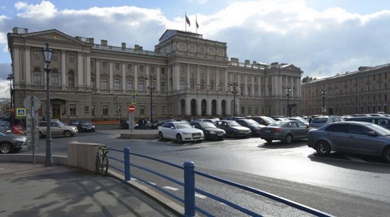ЗакС готов сменить гардероб Мариинского дворца за 16 млн