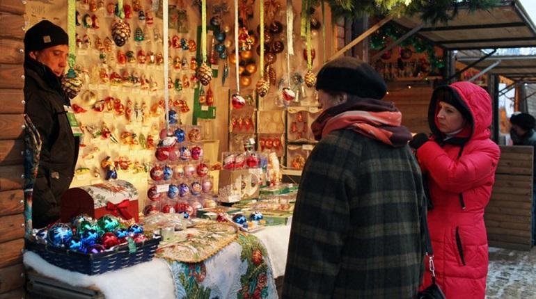 Смольный выбрал производителей для Рождественской ярмарки
