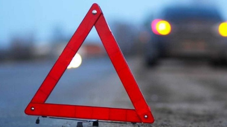 Смертельное ДТП в Ленобласти перекрыло движение по трассе А-114