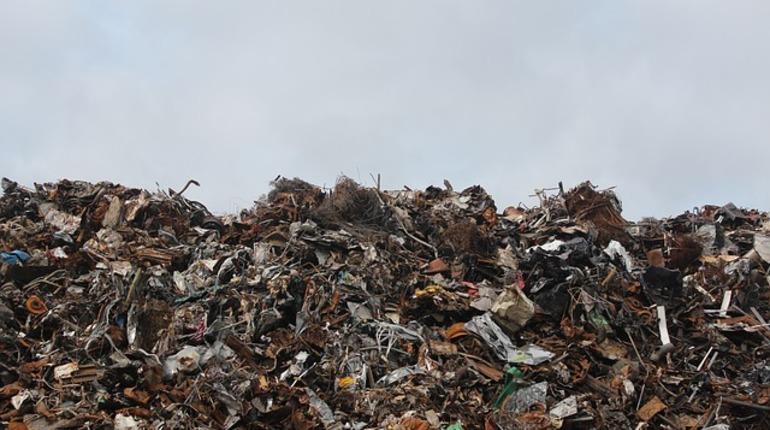 В Кингисеппском районе жителям разъяснили реализацию «мусорной реформы»