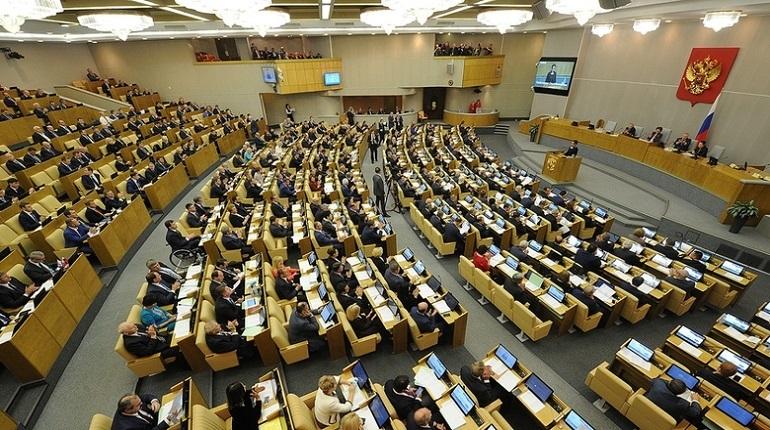 За неделю COVID-19 заразились восемь депутатов Госдумы