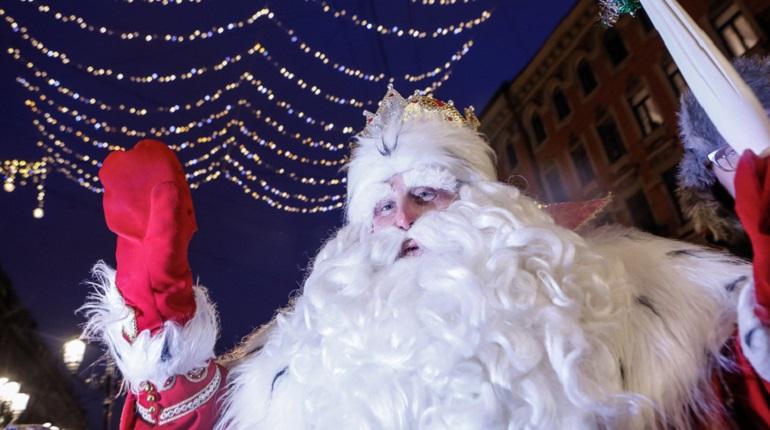 Забег 5 тысяч Дедов Морозов перекроет движение в центре Петербурга
