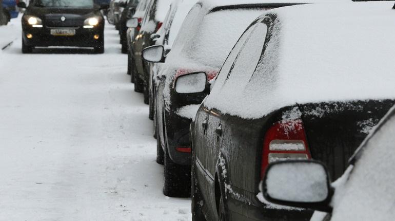 Названы районы Петербурга с критической ситуацией с парковками