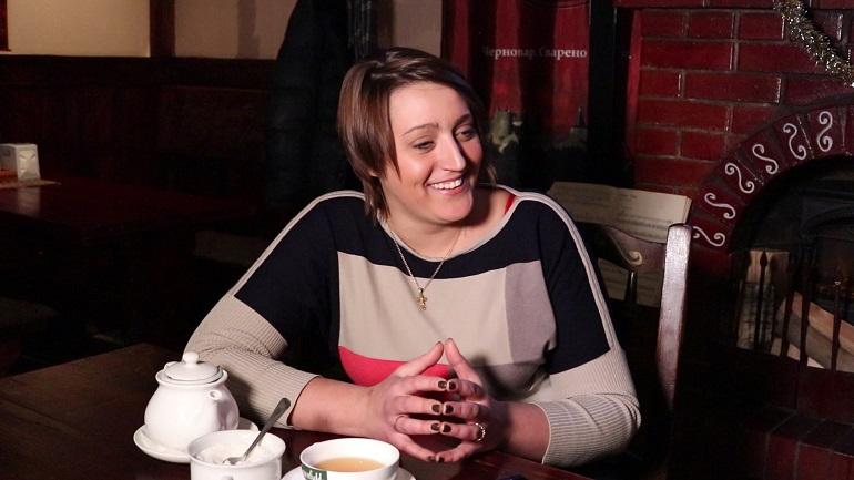 Создатель бесплатного кафе для пенсионеров поздравляет петербуржцев