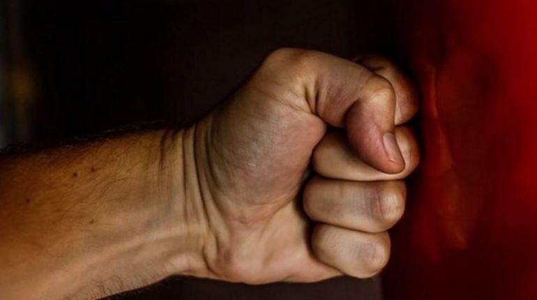 Безработный петербуржец избил студента на Просвещения