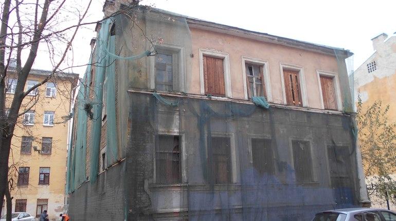 Кассационный суд признал незаконным «корректировку возраста» дома на Ропшинской