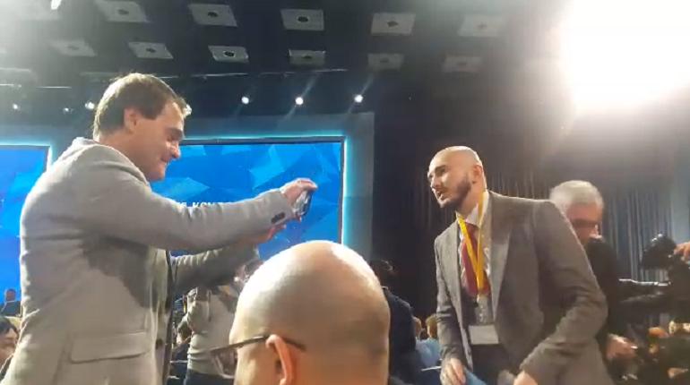 Влогеры атаковали пресс-конференцию Путина