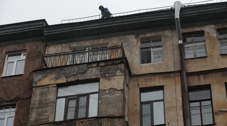Жилком отчитывается о капремонте в Петербурге