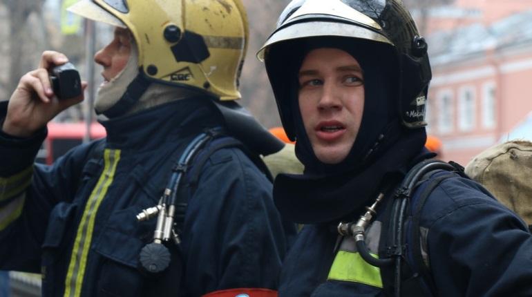 В Петербурге потушили пожар. Фото: Baltphoto