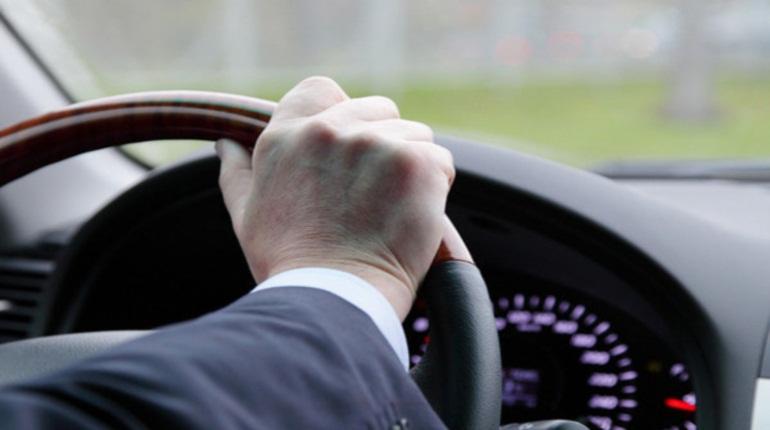 Каждый второй петербургский автолюбитель засыпал за рулем