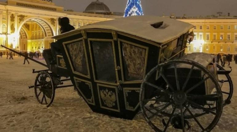 На Дворцовой площади произошло ужаснейшее ДТП с каретой