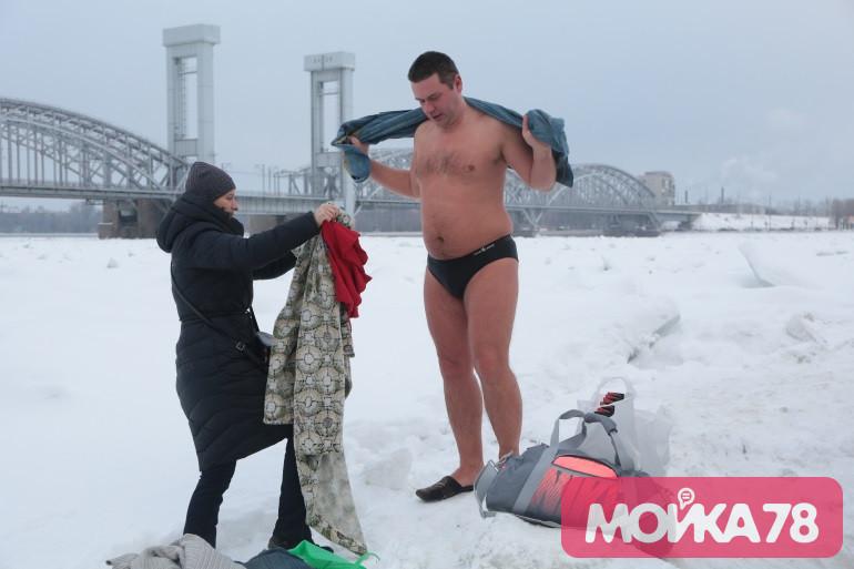 Морозов на крещенские купания в Петербурге не будет