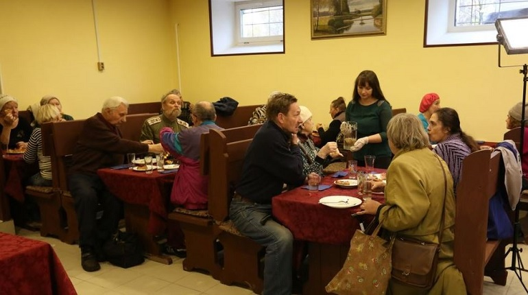 В Гатчине откроют кафе с бесплатными обедами для пенсионеров