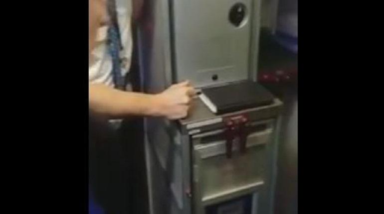 В Пулково задержаны почти все международные и внутренние рейсы «Победы»