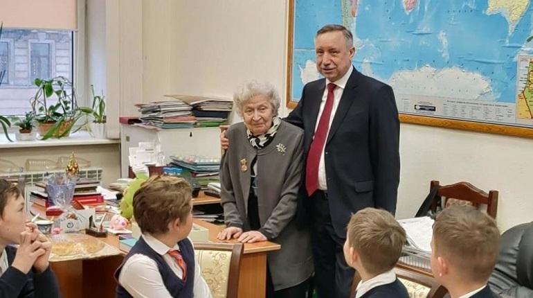 Беглов провел урок мужества в петербургском лицее. Фото: www.gov.spb.ru