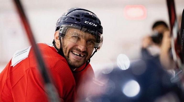 Овечкин набрал 1179-е очко, повторив рекорд результативности НХЛ