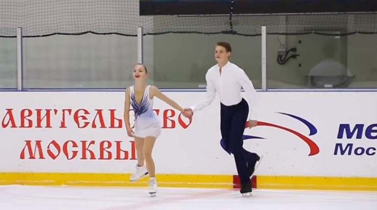 Фигуристы Александра Бойкова и Дмитрий Козловский. Фото: скриншот