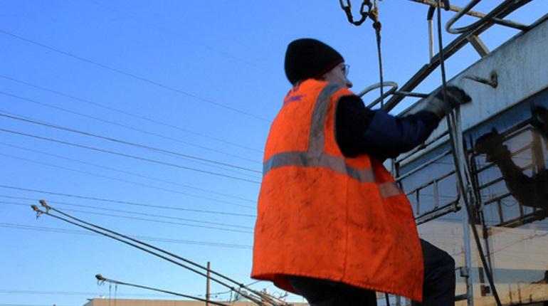 Авария на канализации изменила два маршрута троллейбусов в Петербурге