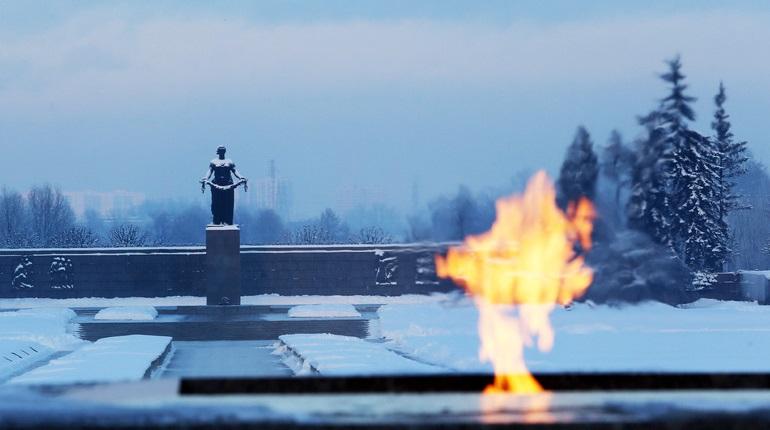 Пятница, 13 декабря: церемония на Пискаревском кладбище и акция «Ты в центре»