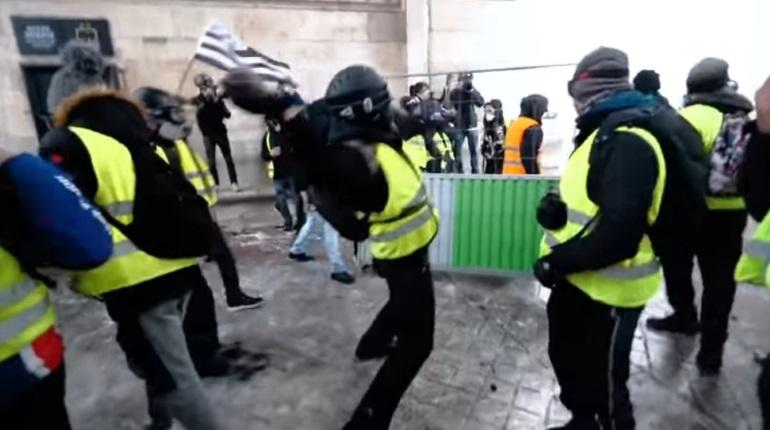 Протесты во Франции. Фото: кадр видео