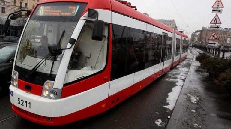Трамвайное движение по Среднеохтинскому начнется 14 января. Фото: Baltphoto