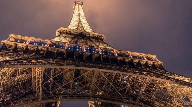 Лувр в Париже ограничит право прохода в музей из-за коронавируса