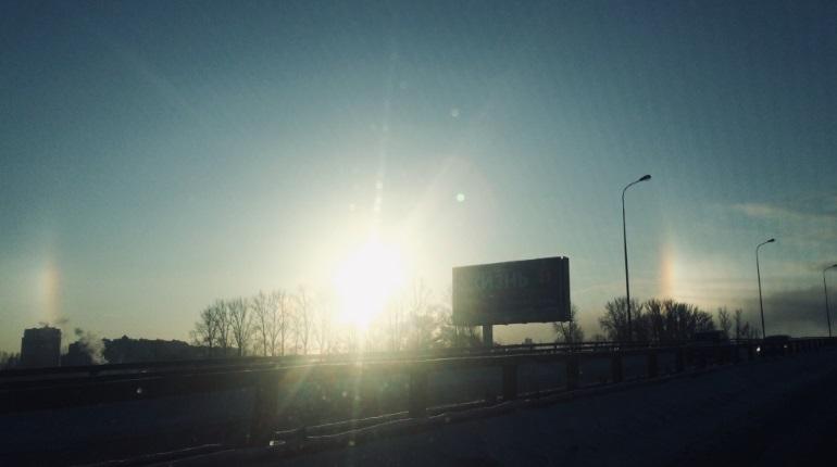 Солнечное гало в Петербурге. Фото: группа