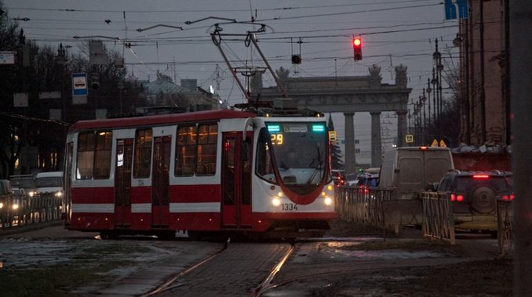 Трамвайные пути в Петербурге. Фото: Baltphoto/Валентин Егоршин