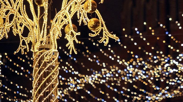 Оформление витрин к Новому году в Петербурге согласуют за три дня