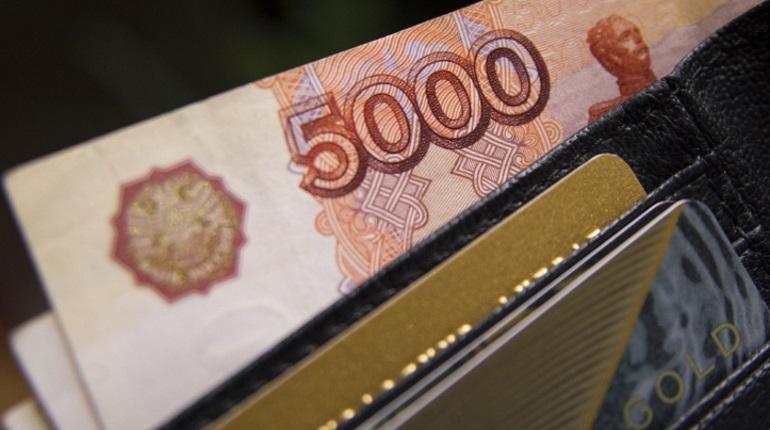 Реальные доходы петербуржцев упали на 3,3%