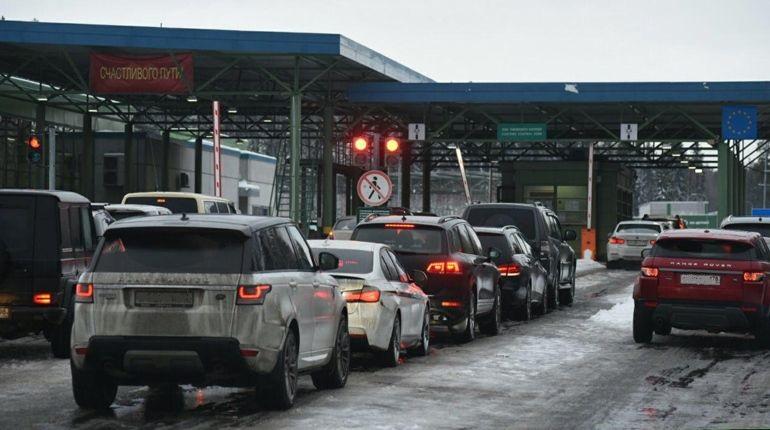 «Не езжайте сюда, это ад»: что творилось на границе с Финляндией
