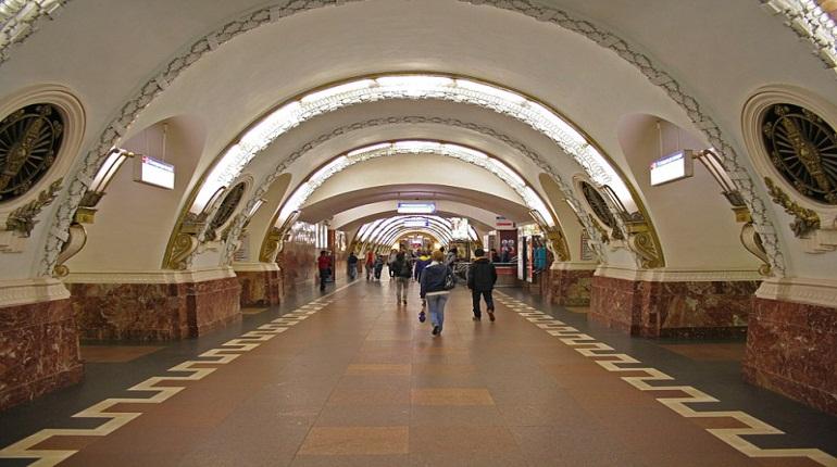 В метро закрыли станцию «Площадь Восстания» и переход на «Маяковскую»