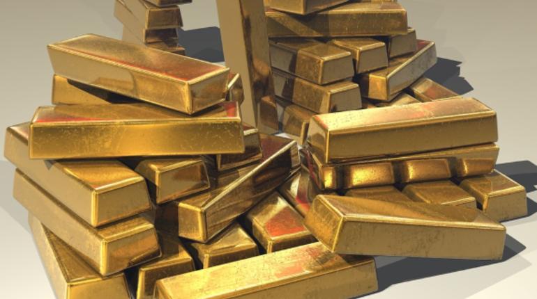Международные резервы России показали снижение в октябре из-за падения цен на золото