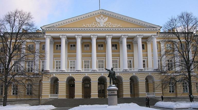 Здание Смольного. Фото: Википедия