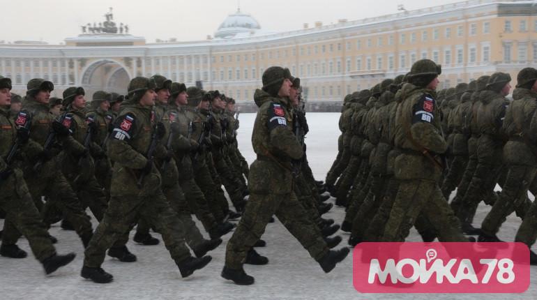 «Стрижи» и танки: как прошел парад на Дворцовой