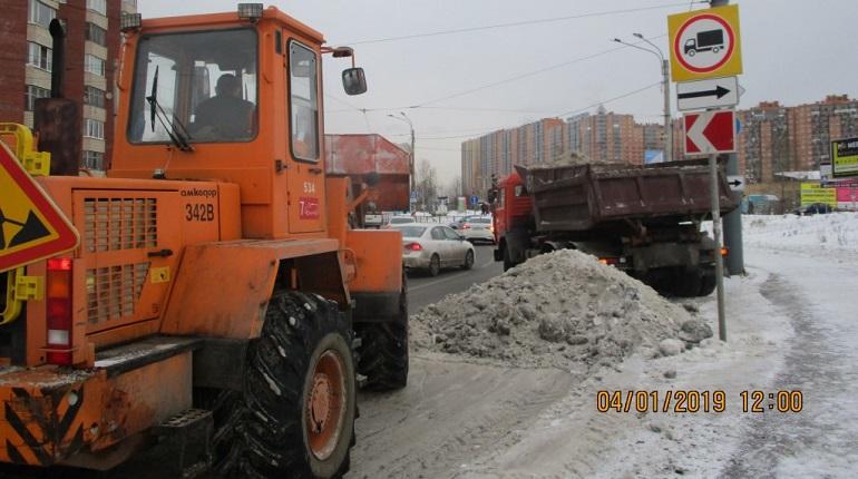 С улиц Петербурга в январе вывезли 250 тысяч кубометров снега