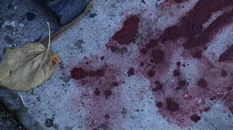 На Стачек подростка ударили по лицу из-за смартфона за 8 тысяч