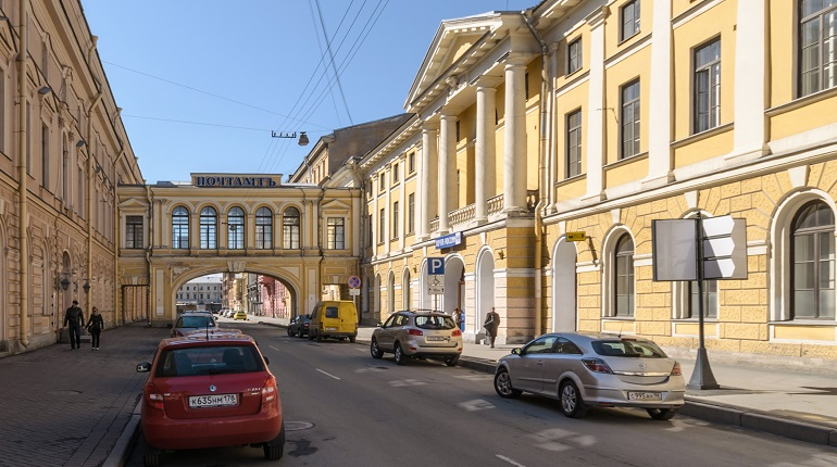 Главпочтамт в Петербурге закрывают на реставрацию