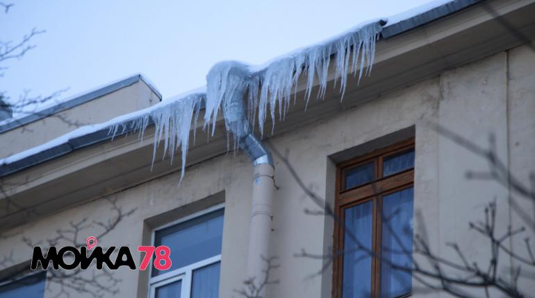До конца года 1,4 тыс. крыш в Петербурге оборудуют «холодными чердаками»
