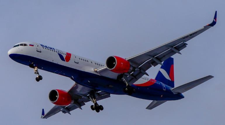 Рейс из Петербурга в Ла Роману отложили почти на два часа. Фото: vk.com/azurair
