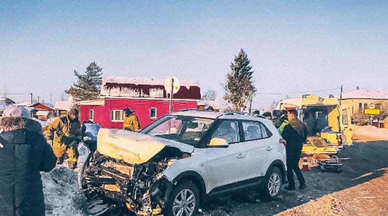 Годовалый ребенок пострадал в результате ДТП с такси в Ленобласти