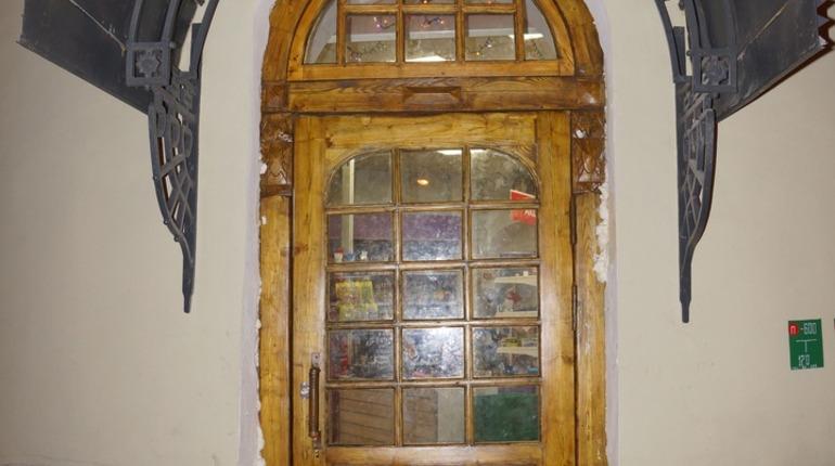 В дом Станового вернули историческую дверь. Фото: vk.com/mytndvor