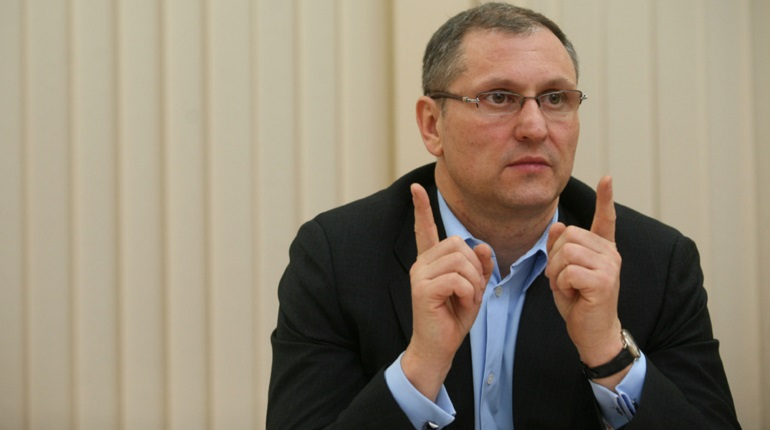 Елин не хочет поддерживать госзаказом петербургские предприятия и работников