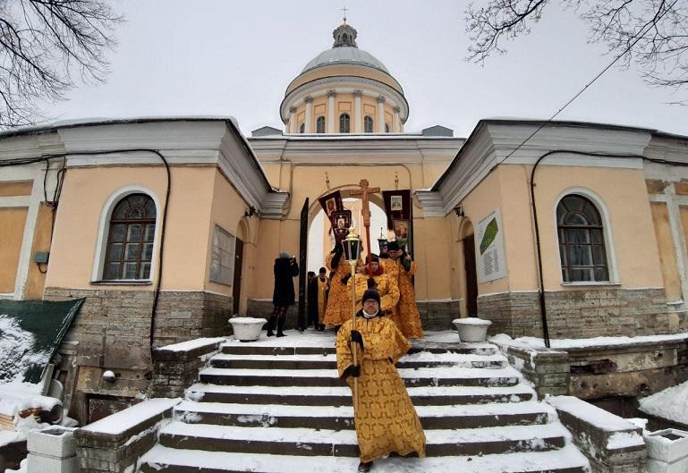 Петербургские трезвенники просят не отменять крестный ход 1 января — боятся запить