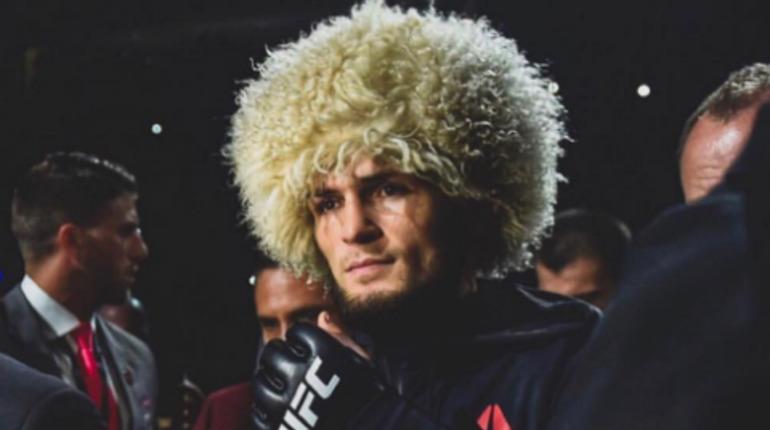 Нурмагомедов победил Пуарье и защитил титул чемпиона UFC